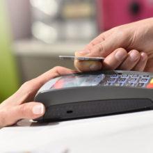 Жители небольших населенных пунктов смогут снимать деньги в кассах магазинов