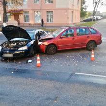 ДТП в Мозыре: столкнулись Dodge и Skoda, есть пострадавшие