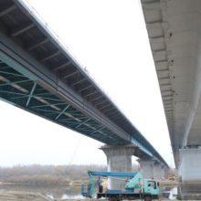 Под Гомелем начались испытания нагрузкой нового моста через Сож