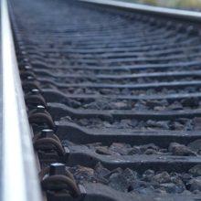 Подросток на велосипеде и в наушниках попал под поезд