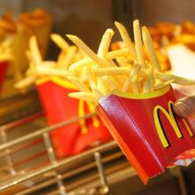 Гомельчане уже съели больше 10000 кг картошки в «МакДональдс»