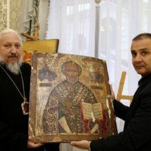 Украденные в Добруше иконы вернули в епархию