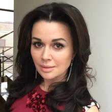 Близкие Заворотнюк прокомментировали паралич актрисы