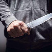 В Дятловском районе внук под угрозой ножа требовал у бабушки деньги