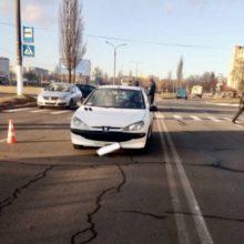 В Мозыре девушка на Peugeot сбила девочку на «зебре», ребенок в реанимации