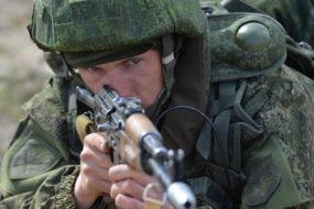 Белорусские десантники провели тренировку перед учениями под Псковом