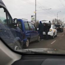 Гомельчане поставили рекорд на Сельмашевском мосту, «устроив паровозик» из пяти автомобилей