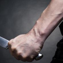 В Минске преподаватель в кабинете директора ножом резал себе живот