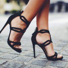 Как выбрать женскую обувь на лето?