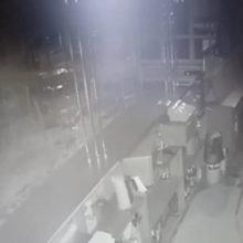 Видео: посетитель побил барменшу, потому что не хотел уходить домой
