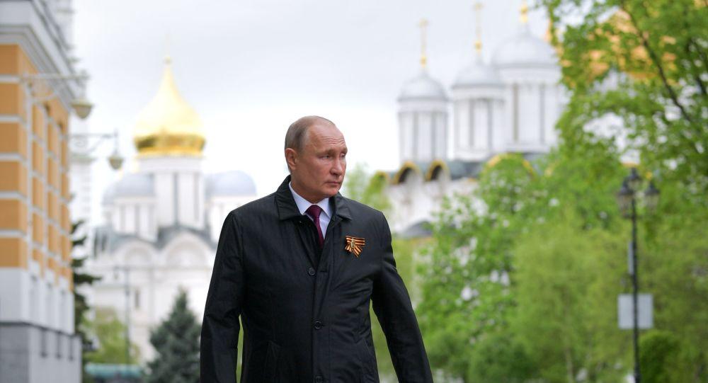 Путин рассказал, в чем заключается национальная идея в России