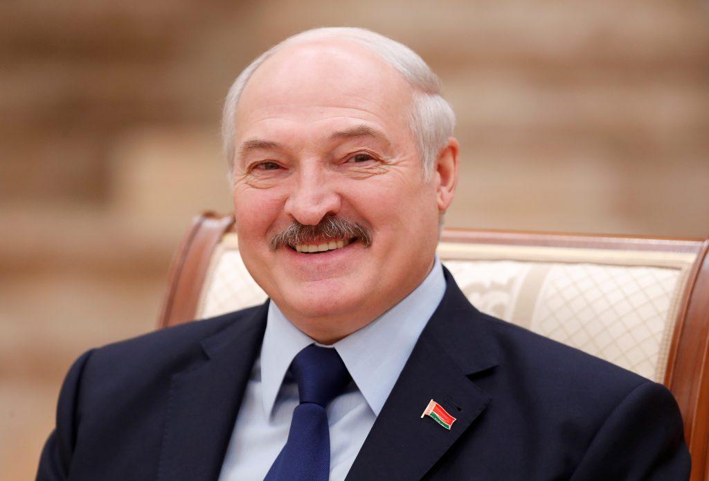 Лукашенко снова выдвигает свою кандидатуру в президенты