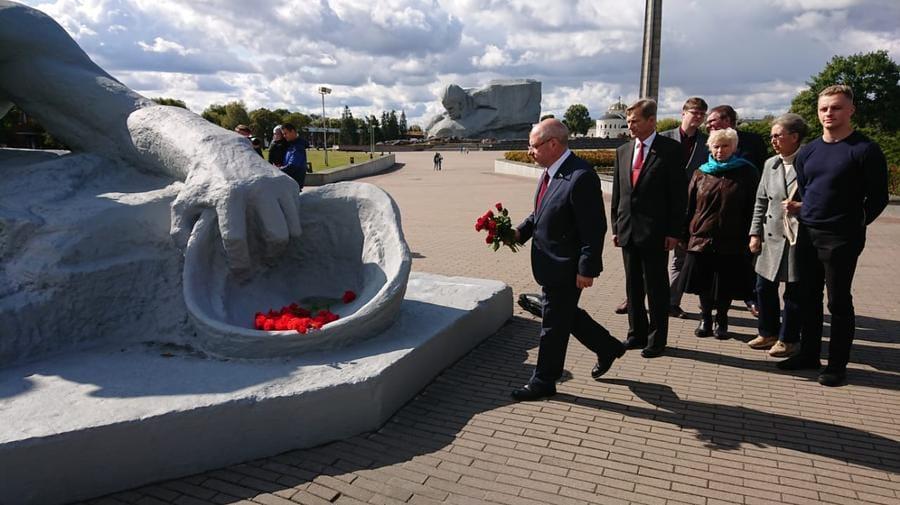 Депутат Госдумы призвал почтить память погибших в войну