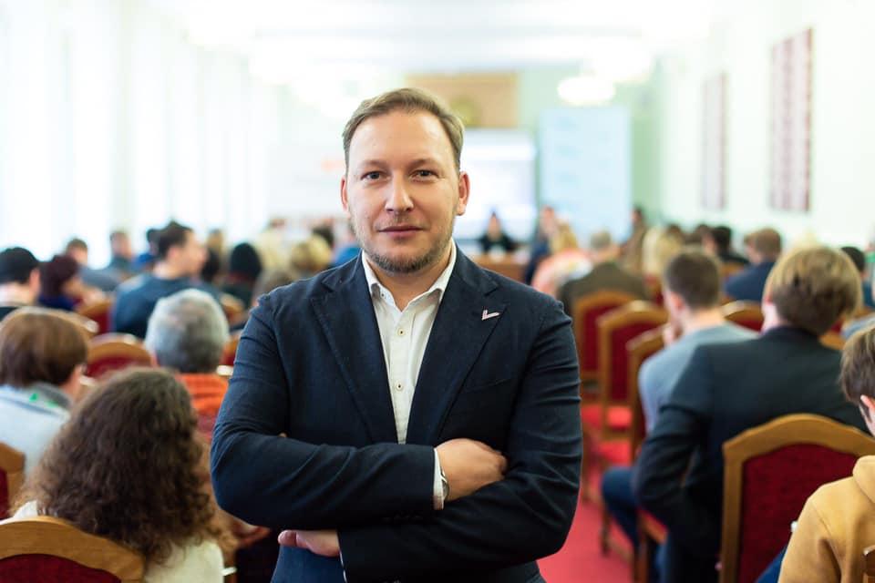 Андрей Дмитриев заявил о сборе 100 тысяч подписей