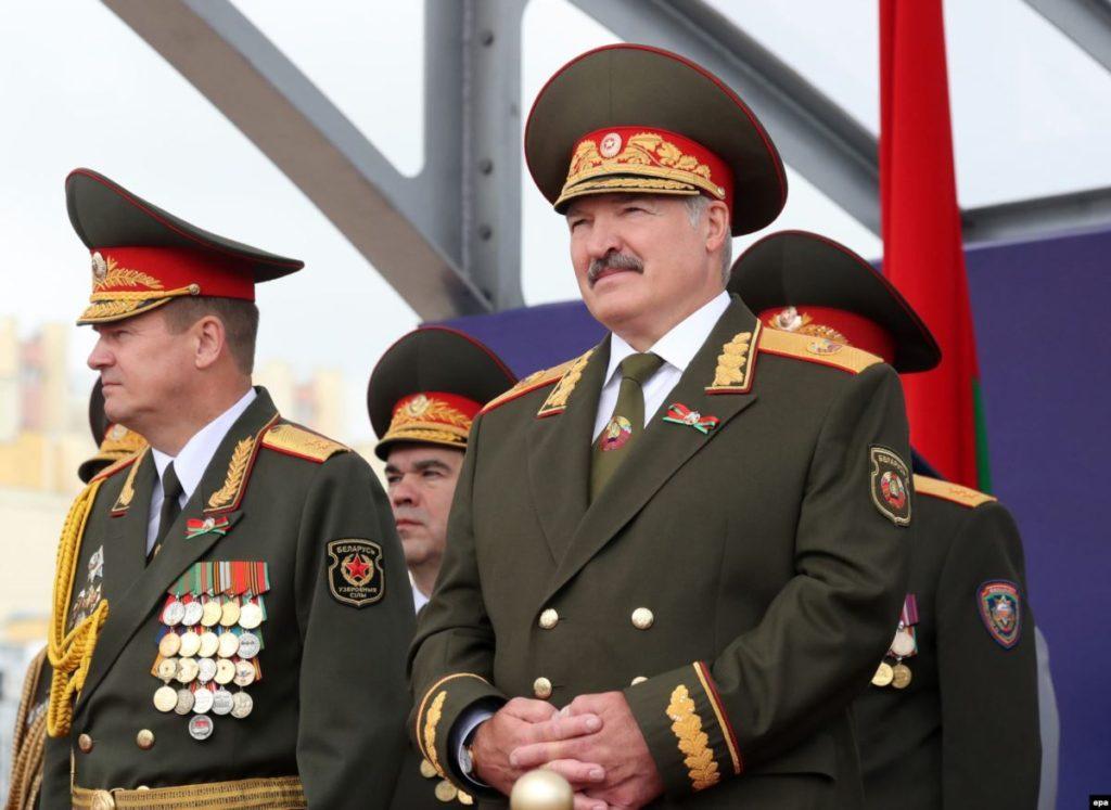 Александр Лукашенко посетит парад Победы в Москве