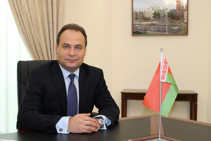 Главой обновленного кабмина стал бывший руководитель Госкомвоенпрома Роман Головченко
