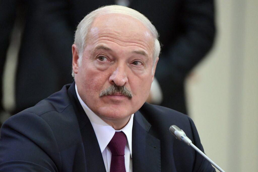 Лукашенко считает, что пора определить свое место в новом мире и написать Конституцию