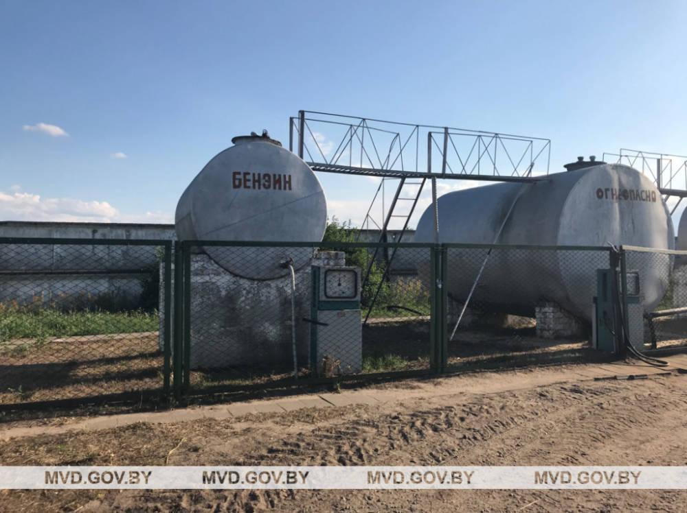 Завскладом из Речицкого района лично своровала около 4 тонн топлива
