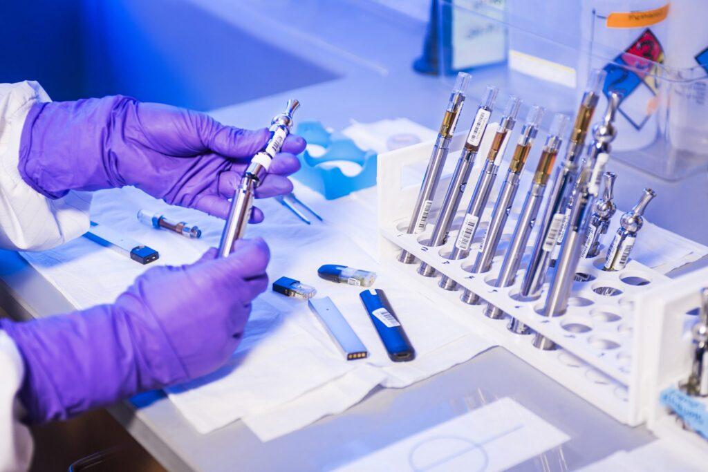 ВОЗ считает, что массовое применение вакцины возможно лишь в следующем году