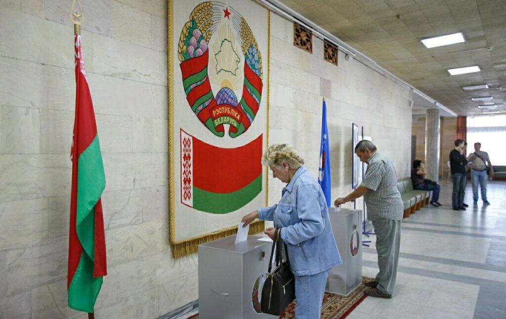 В избирательном фонде Лукашенко – почти $100 тысяч. Сколько у других кандидатов?