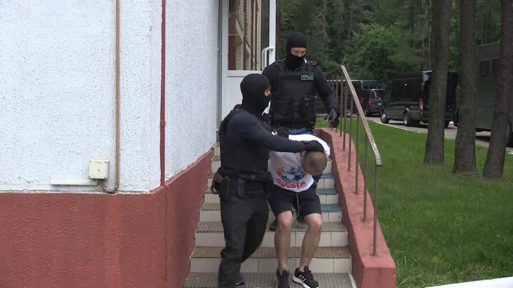 Стало известно, в чем подозреваются задержанные в среду в Беларуси 33 россиянина