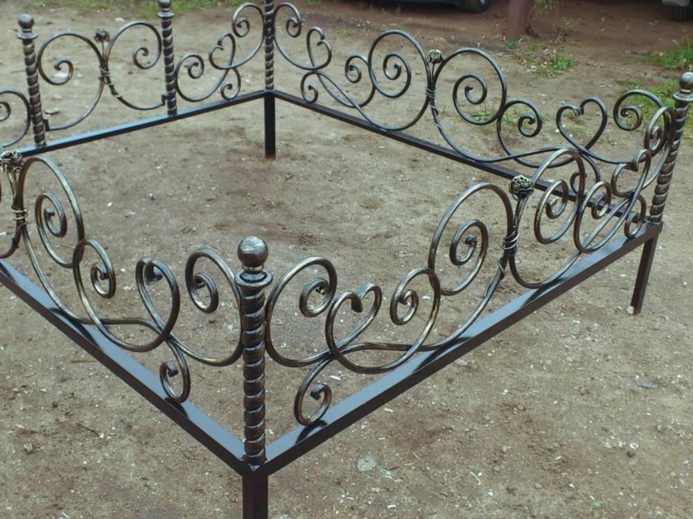 продала чужую могильную ограду