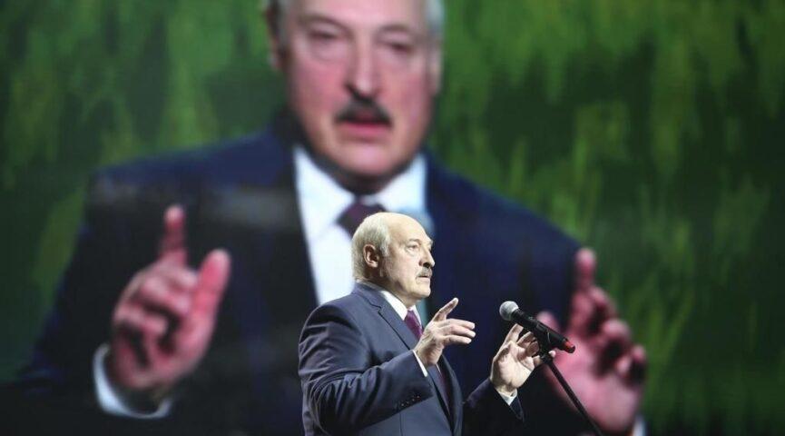 Лукашенко уверен, что выборы законные и чьи-либо признания Беларуси не нужны
