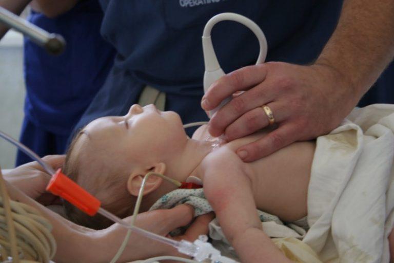 спасли новорожденную