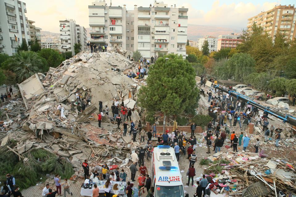 землетрясение у побережья Турции