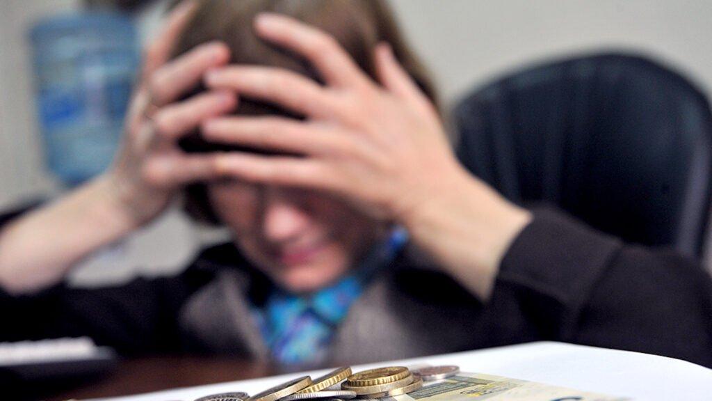 Житель Калинковичей уговорил подругу влезть в долги на 33 000 долларов
