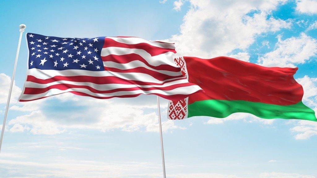 Флаги США и Беларуси