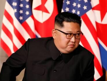 Коронавирус в мире: Ким Чен Ын минирует границу, а Европа нехотя запирается